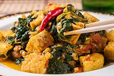 Spinach Saag and Golden Tofu