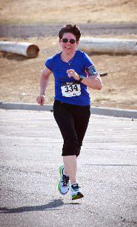 AICR supporter Claire Travis running