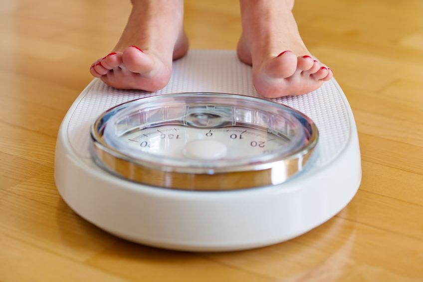 young people, Frequent weighing, small changes, can help young adults avoid that creeping weight gain